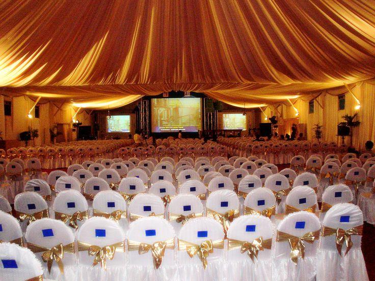 Tenda Roder atau Tenda Hanggar menjadi pilihan utama untuk kegiatan outdoor dengan kebutuhan ruang yang besar.