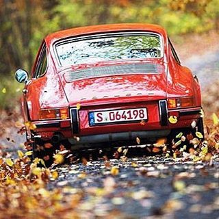 #porsche #porsche911 #porschevintage #porscheclub #porscheclassic #porschelife #porschelove #sun#twilight #vintage #vintage911 #vintagecar #vintagecars #vintageporsche #temptation #look #love #luftgekühlt #aircooled #classic #classiccar #classiccars #classicstyle #classicporsche #beauty #beautiful #greatpic #early911 #901 #porsche901