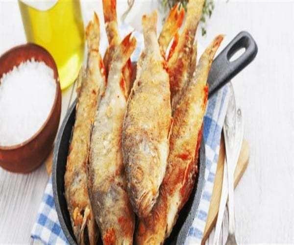 طريقة عمل السمك المقلي بمذاق شهى Fried Fish Seafood Dishes Food