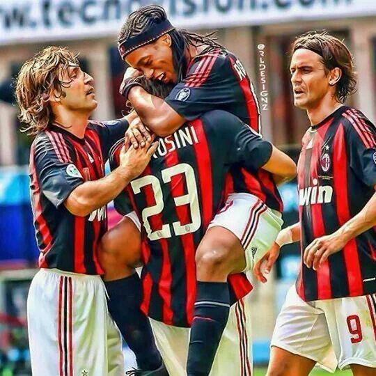 Pirlo, Ambrozini, Ronaldinho *King*, Maldini