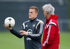 16-May-2015 13:41 - TOORNSTRA VERTROUWT OP OVERWINNING FEYENOORD IN ZWOLLE. Jens Toornstra verwacht dat #Feyenoord de play-offs om Europees voetbal ontloopt. Dan moeten de Rotterdammers zondag winnen op bezoek bij PEC Zwolle.