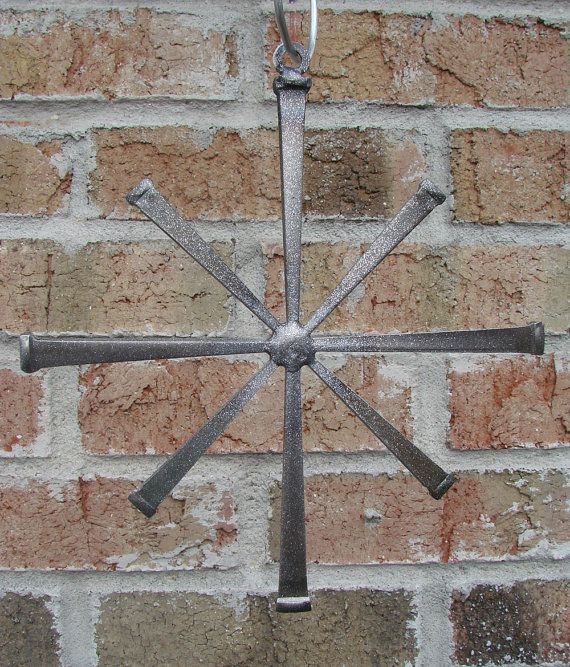 Love the way this sparkles!! Hey, I found this really awesome Etsy listing at https://www.etsy.com/listing/213437397/handcrafted-welded-hanging-masonry-nail