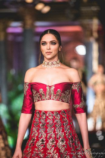 Manish Malhotra's Bridal Collection at India Couture Week 2016 : The Persian…