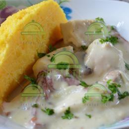 Piept de pui cu smântână și ciuperci | Retete Pentru Tine