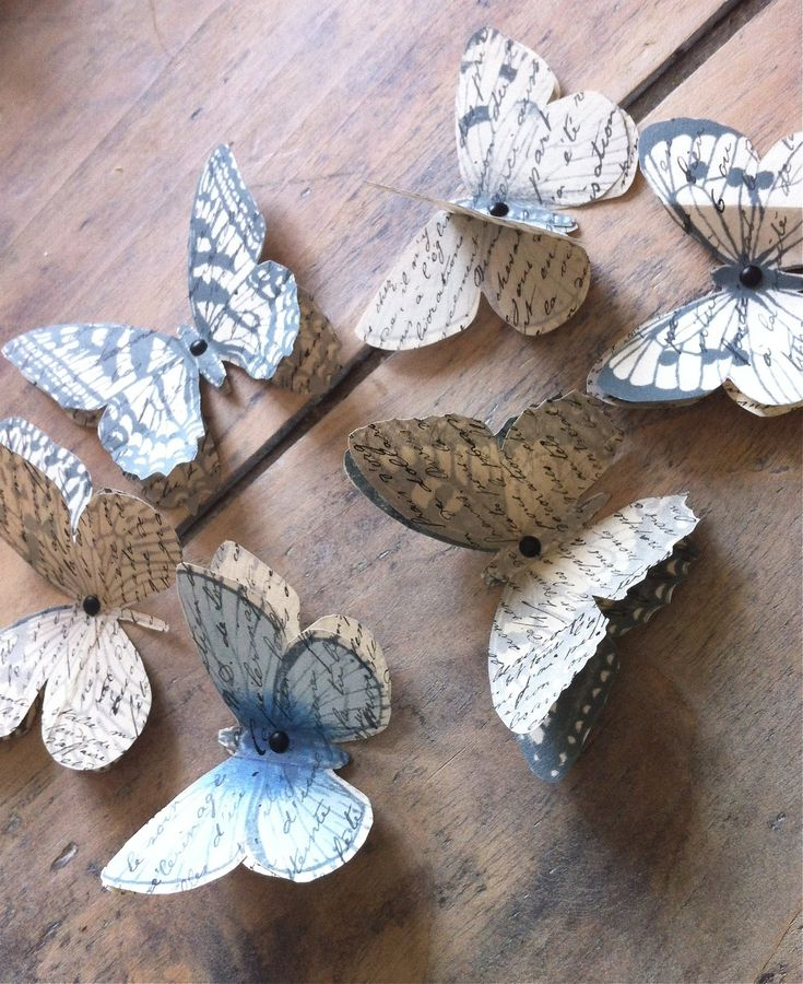 Paper butterflies made from old books #RepurposedBooks