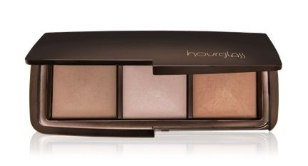 Hourglass Limited Edition Ambient Lighting Palette Has Me So Excited for the Holidays!