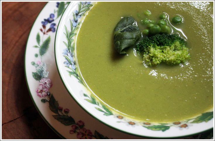 Kremowa zupa brokułowa.