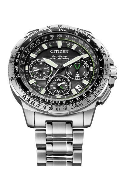 The best watches for men 2017, from Michael Kors to Rolex, Gucci to TAG Heuer and Cartier to Omega. - Shop at Stylizio for luxury designer handbags, leather purses and wallets. Women's and Men's watches, jewelry, sunglasses and other accessories. Fine gold and 925 sterling silver rings, necklaces, earrings. Gift ideas for women and men! #Omegawatchforwomen #Cartierwatchesforwomen