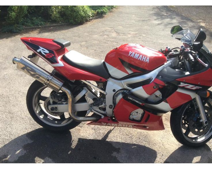 R6 2001 red