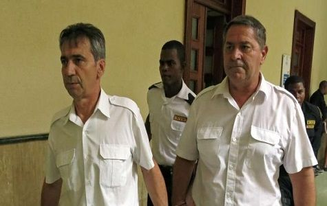La embajada de Francia en el país se desligó hoy, martes, de la fuga del país de dos pilotos franceses condenados a 20 años de cárcel por tráfico de drogas