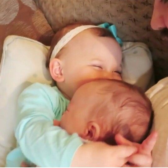 Emilia Tommasina & Eduardo Jonathan Saccone Joly ♡ Siblings hugging especially these two cuties x