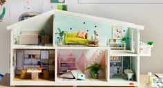 We've been working with The Petite Edit on a special project #petitecollaborations. The concept launched today and we are super excited to be apart of this project which sees a creative style/design/create a renovated Lundby Smaland Dolls House which will be auctioned next week for local charity @koalakids. Head over and take a look. This one by @beciorpin and photographed by @ameliastanwix