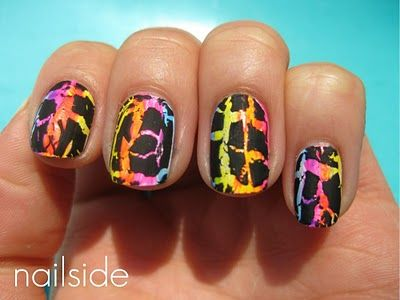 neon nailpolish with black crackle <3