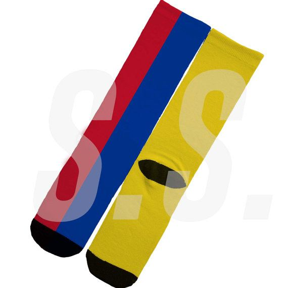 Each pair is made to order and unique.  One size - Sock fits Mens size 6-12.  Will ship via USPS within 3 days of purchase.    Tags : nike nikes hyper basketball crew Custom Socks - Colombia Flag! South America elites elite sock