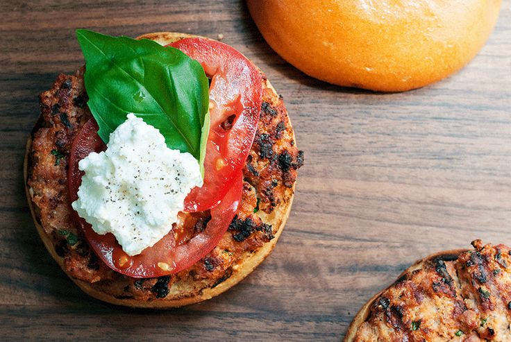 Andrew Zimmern's Ultimate Turkey Burger with Tomato, Ricotta & Basil
