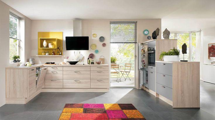 Kuchyně Regina   SIKO KUCHYNĚ Kuchyni Reginu si oblíbíte, protože nabízí řadu odstínů dvířek v barvách dřevodekoru, které lze kombinovat i s jednobarevnými odstíny jiných kuchyní.