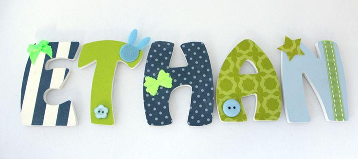 Ô Cocon 9 vend des articles de décoration faits main pour la chambre de vos enfants. Prénom personnalisé avec lettres en bois, doudous, guirlandes...