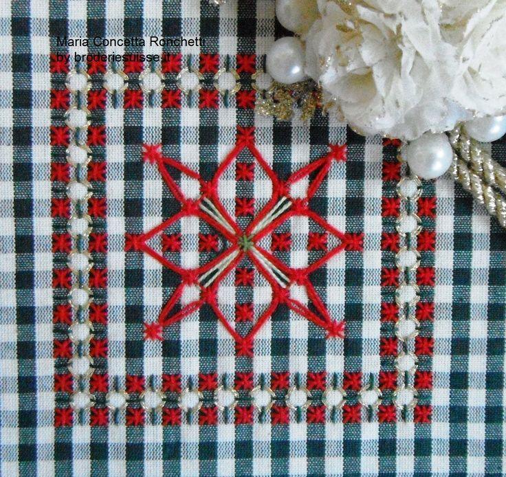 12-December-star-christmas-broderie-suisse