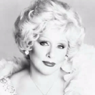 Born May 12, 1918 Hot Wells, Harris County, Texas, USA   Died November 22, 2001 (aged 83) Dallas, Texas, USA   Occupation Founder of Mary Kay Cosmetics   Children Richard Rogers, Marilyn Rogers, and Ben Rogers.