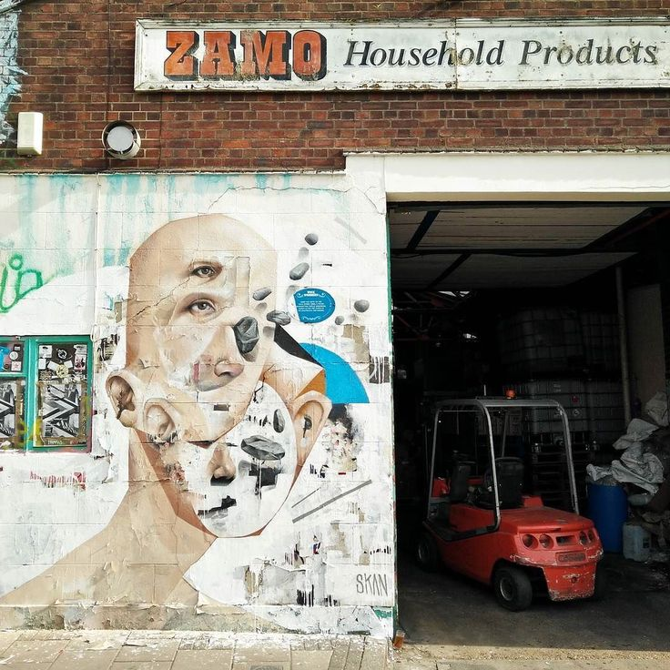 Fresh up on the walls between Lord Napier and Zamo in HW. Very cool and surreal piece by Skan #wickwalls #streetart