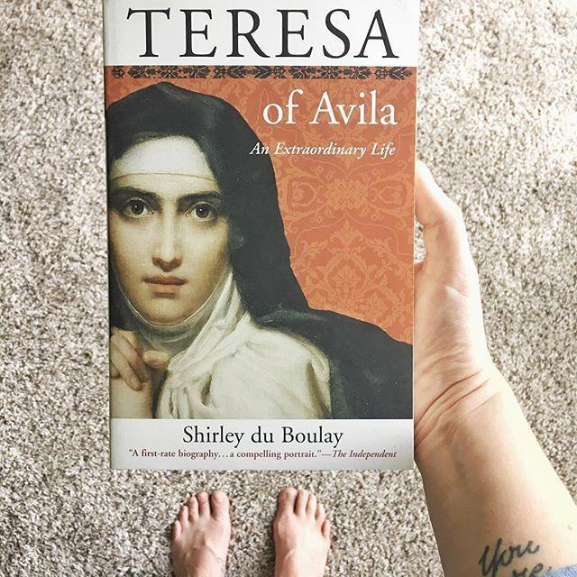 catholic books for women // books about catholic saint // st teresa of avila