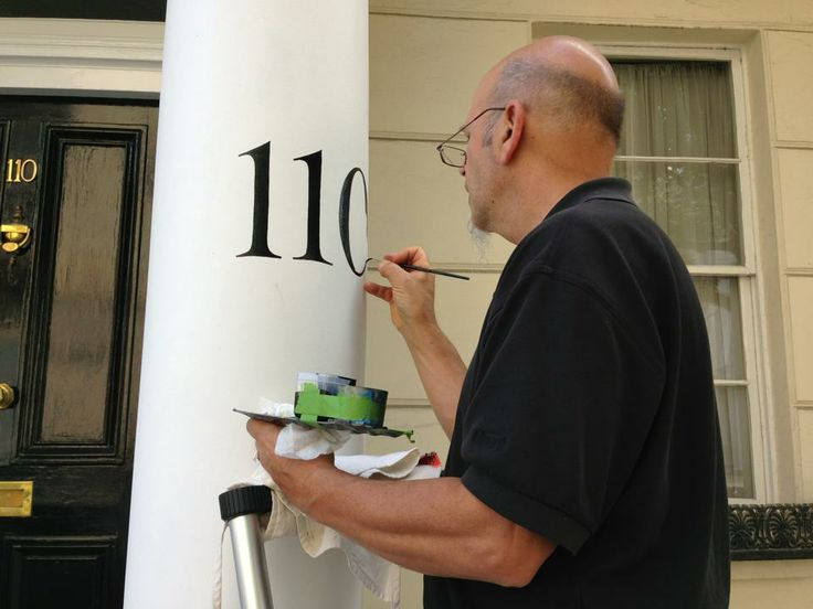 Magic man Dan Seese Guest Signwriter from USA with NGS London