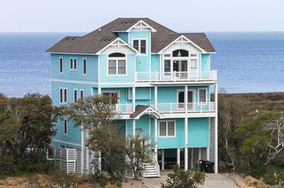 Avon vacation rentals blue waters soundfront outer for Hatteras cabins rentals