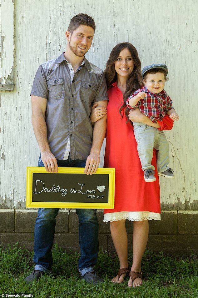 Exciting news: Jessa Duggar and her husband Ben Seewald are expecting their…