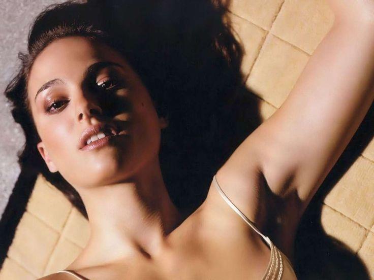 Natalie Portman Free Hd Wallpaper Wedding Bikini