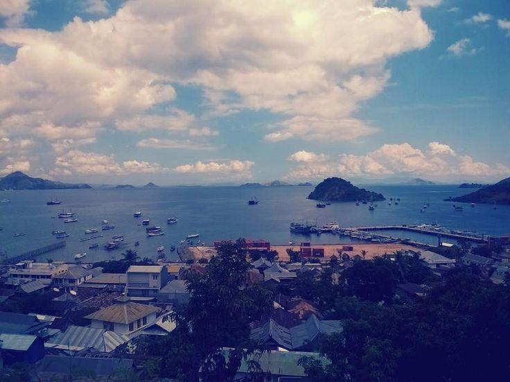 Labuan bajo port.. Pantai pede.. It was taken from tree top restaurant..