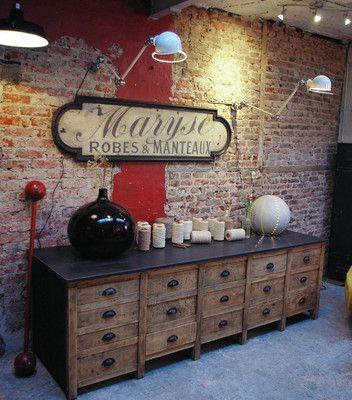 Ancien meuble de métier à tiroirs Marchand d'oublis