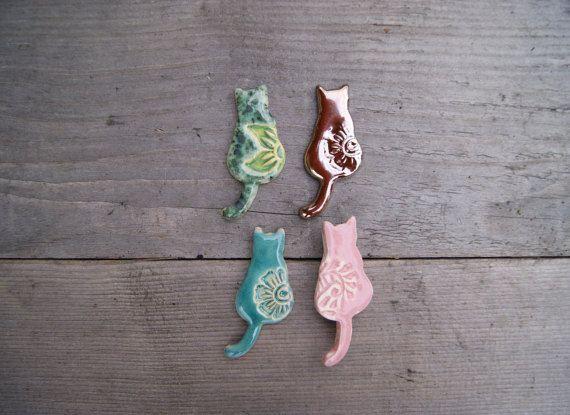 Cute cat brooch, cat pin, ceramic brooch, ceramic pin, cat gift, pink cat, gold cat, Turquoise cat, ceramic cat brooch, Feline brooch