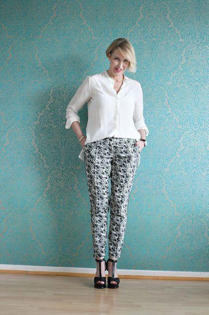 Wie style ich eine gemusterte Hose