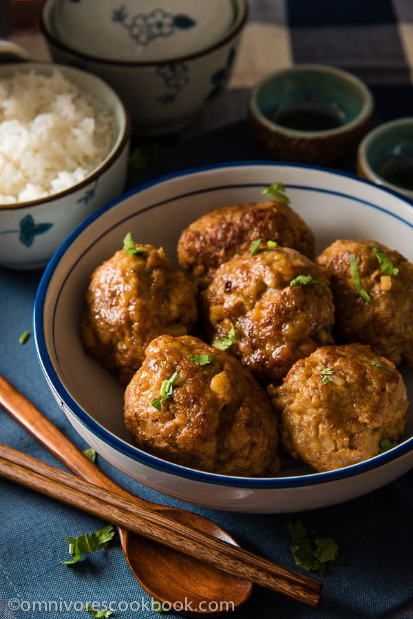Chinese Lion's Head Pork Meatballs (狮子头) - Enjoy a healthier version of the tender and moist meatballs | omnivorescookbook.com