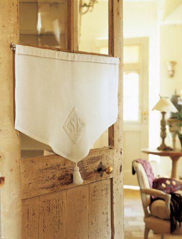 Couture : habillez vos fenêtres avec un fin voilage décoré d'une broderie ancienne n°50
