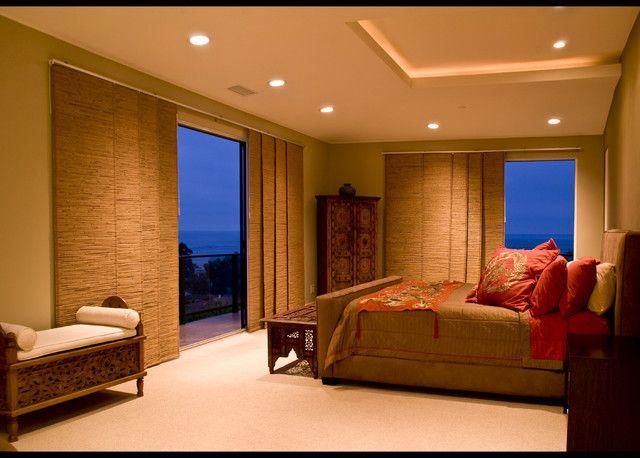 Панельные шторы в спальню в азиатском стиле