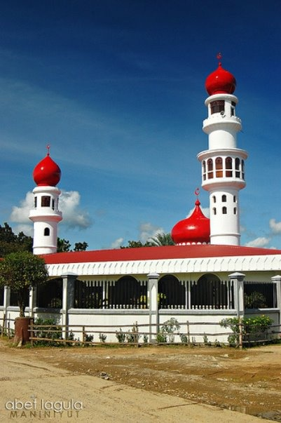 The Taluksangay Mosque was built by Hadji Abdullah Maas Nuno in 1885 in Barangay Taluksangay in Zamboanga and is the oldest mosque in Western Mindanao.Taluksangay was the first center of Islamic propagation in the Zamboanga Peninsula. Muslim religious missionaries from Arabia, India, Malaysia, Indonesia and Borneo have been flocking to this village. A representative of the Sultan of Turkey (Sheik-Al Islam) visited this place in later part of 1914.