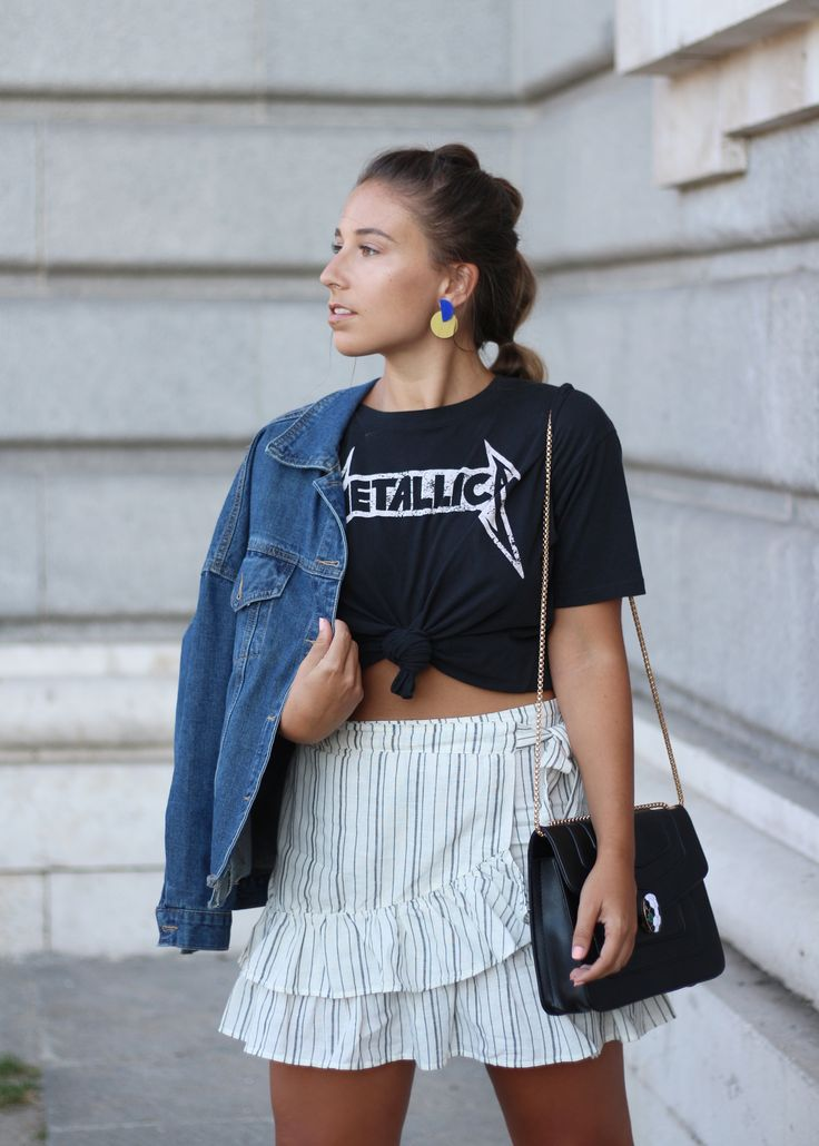 Casual chic summer outfit. Wrap mini skirt and Metallica t-shirt, Papiroga earrings. Trendencies