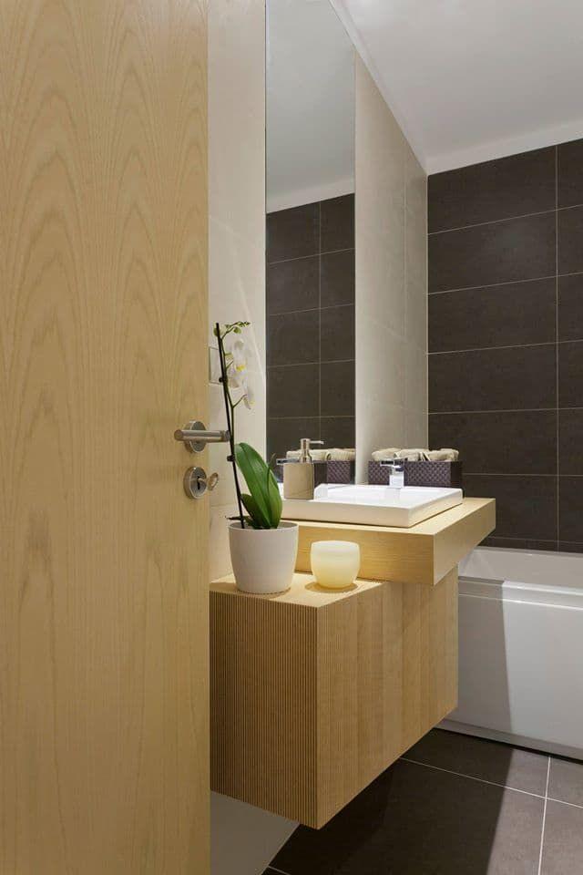 Descubra fotos de Casas de banho modernas: Spazio Park. Encontre em fotos as melhores ideias e inspirações para criar a sua casa perfeita.
