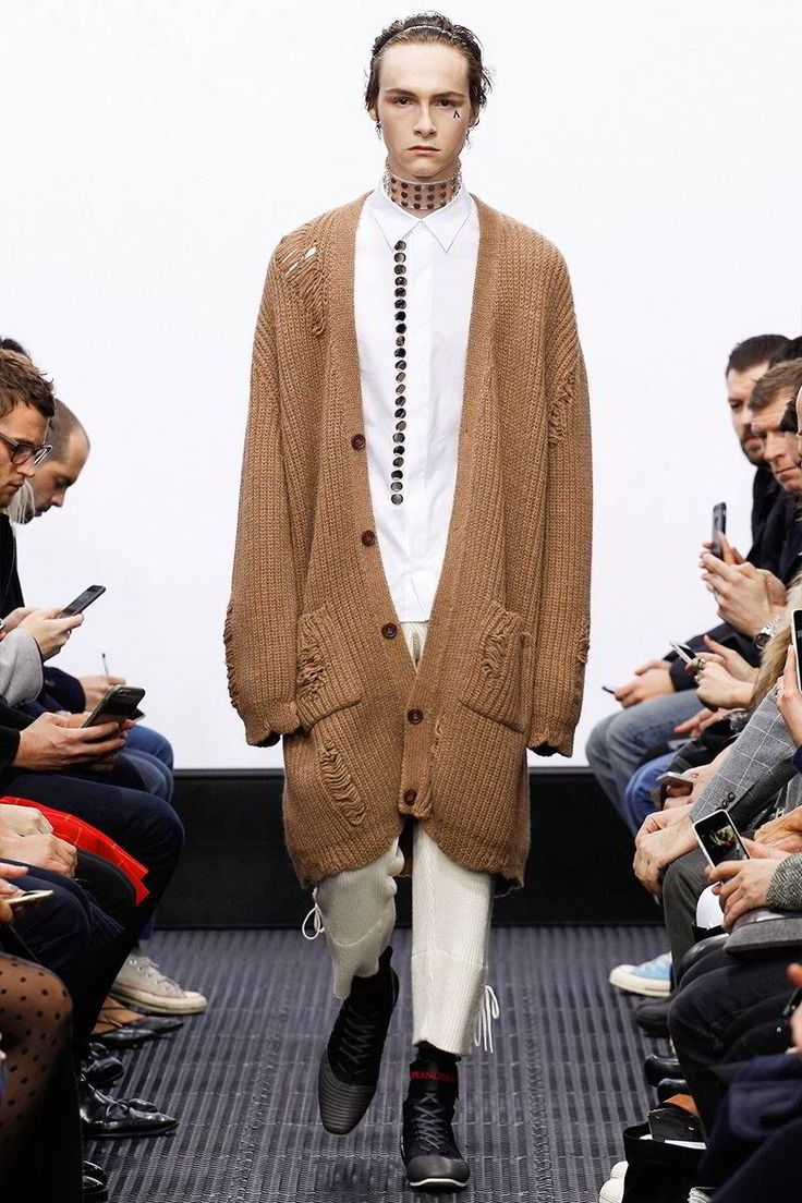 J.W. Anderson Fall/Winter 2016/17 - London Collections: MEN