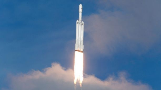 Spacex Falcon Heavy Rocket Launches Successfully Fox News Spacex Falcon Heavy Spacex Falcon Heavy