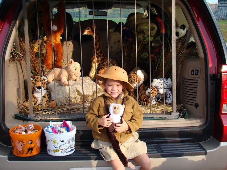 10 best trunk or treat images on Pinterest Halloween ideas, Happy - trunk halloween decorating ideas
