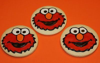 Tutorial on how to decorate Elmo cookies with royal icing.