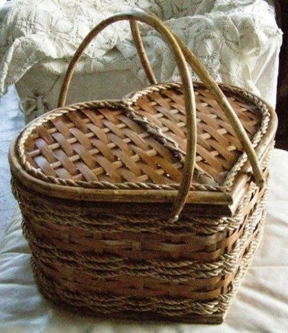 Heart Shaped Picnic Basket | from midnight poem <3