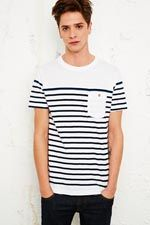Shore Leave - T-shirt blanc à rayures chez Urban Outfitters
