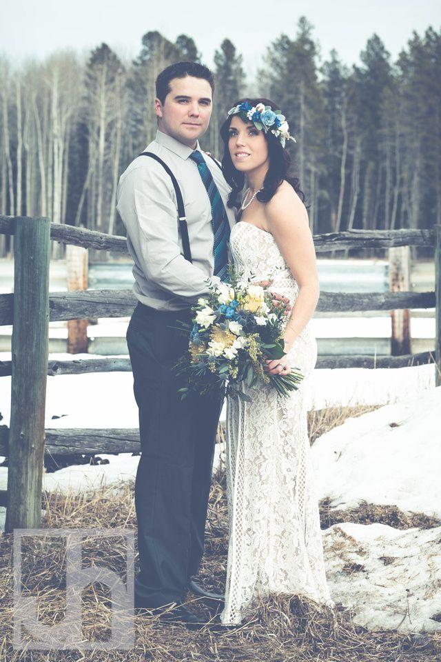 wedding photography. rustic wedding. boho wedding. bride and groom. wedding flowers