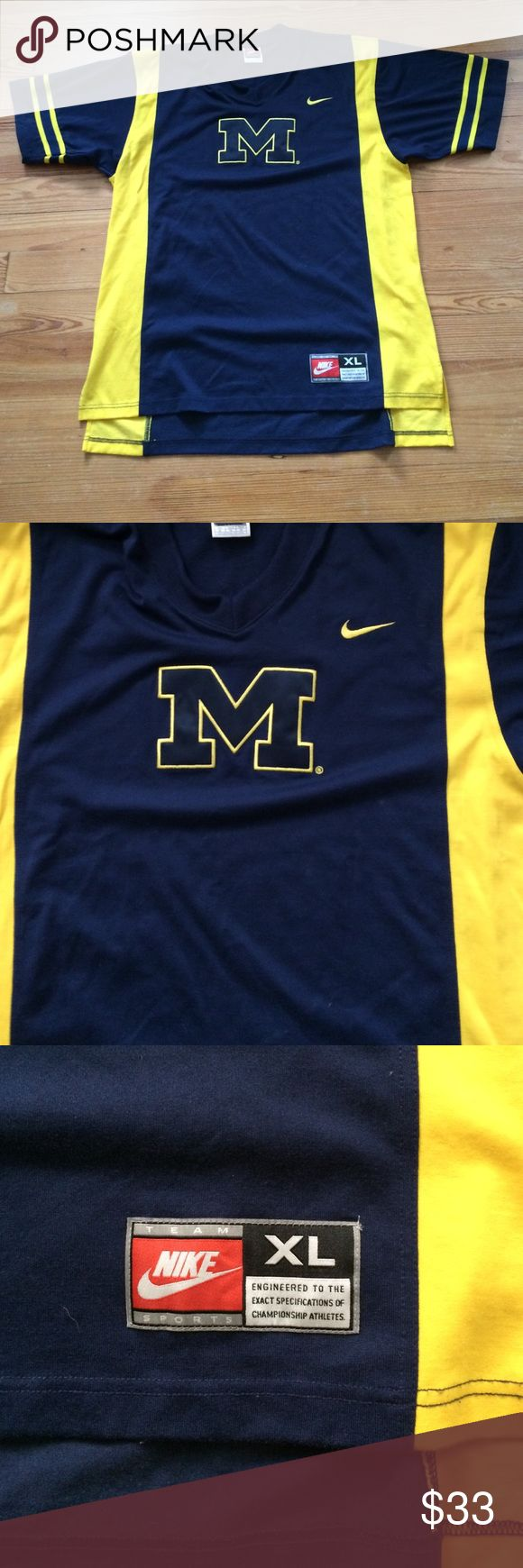 Nike Vintage Michigan Wolverines Basketball Very sweet, Nike Michigan Wolverines men's basketball warmup shirt. Size mens XL, like new, rare! Circa 96, great for any Michigan fan Nike  Tops Tees - Short Sleeve