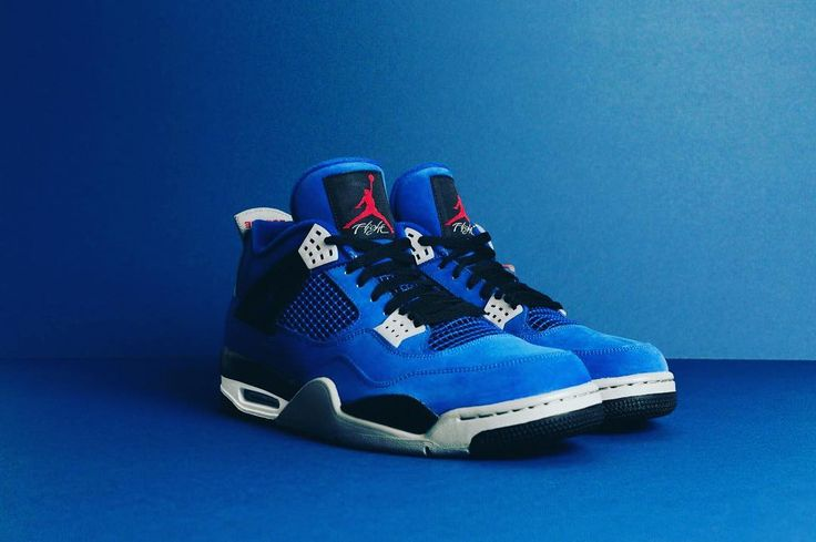 """4,469 Likes, 32 Comments - EMINEM (@shady_records_) on Instagram: """"8 hours left to win the ONLY Jordan 4 Encore available plus other shoes from my personal collection…"""""""