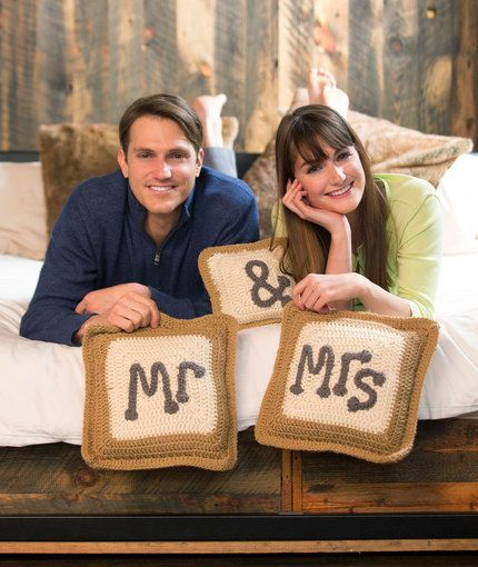 Mr. & Mrs. Pillows...What a cute wedding gift would this make!..Free pattern!