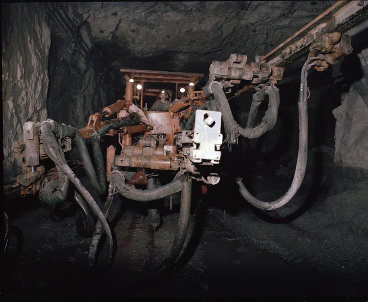 320434PD: Teutonic Bore mine, 1983 http://encore.slwa.wa.gov.au/iii/encore/record/C__Rb3033264?lang=eng